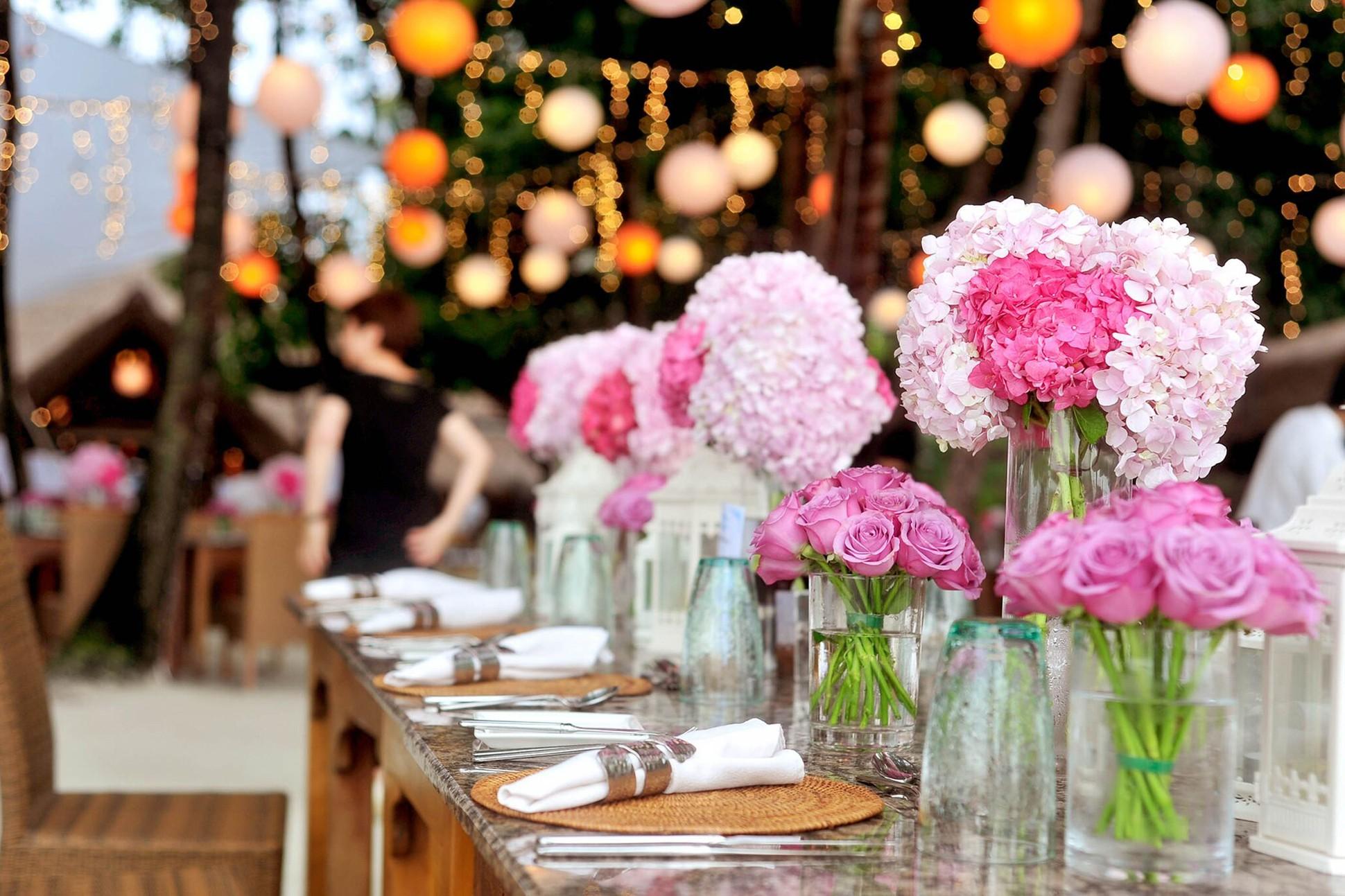 Photo of wedding table setting