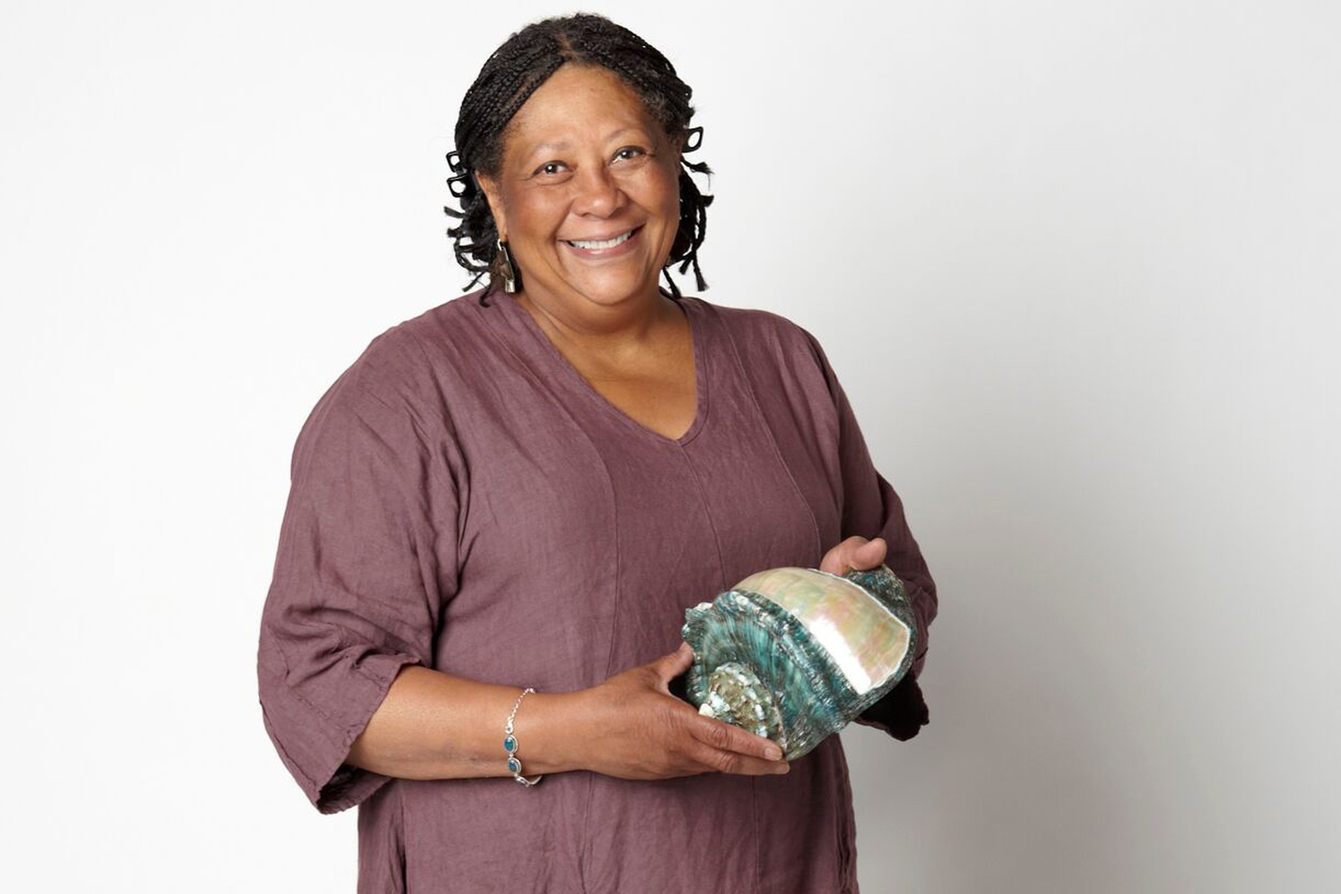 Image of Marilyn Nelson.