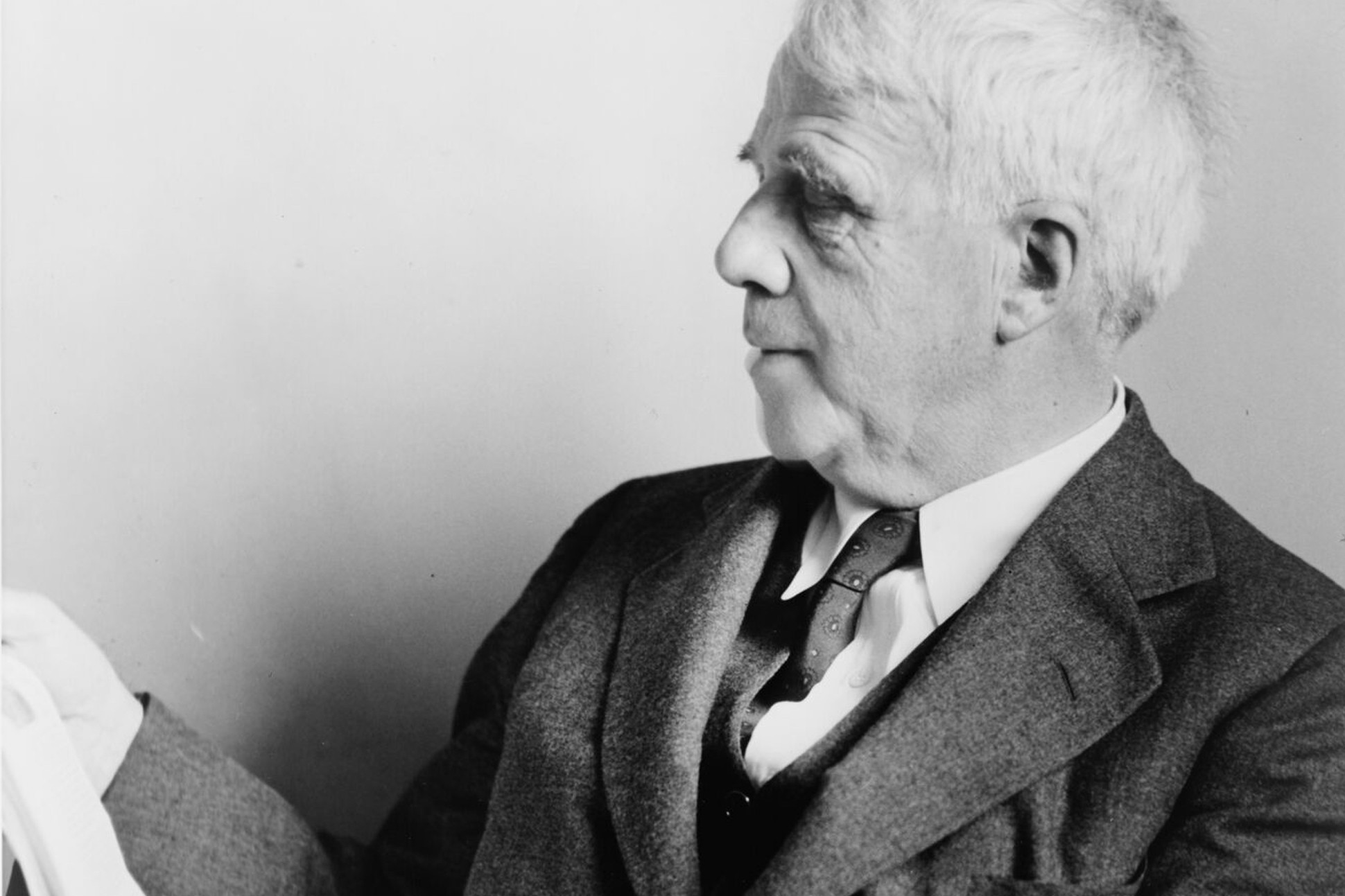 Image of Robert Frost.