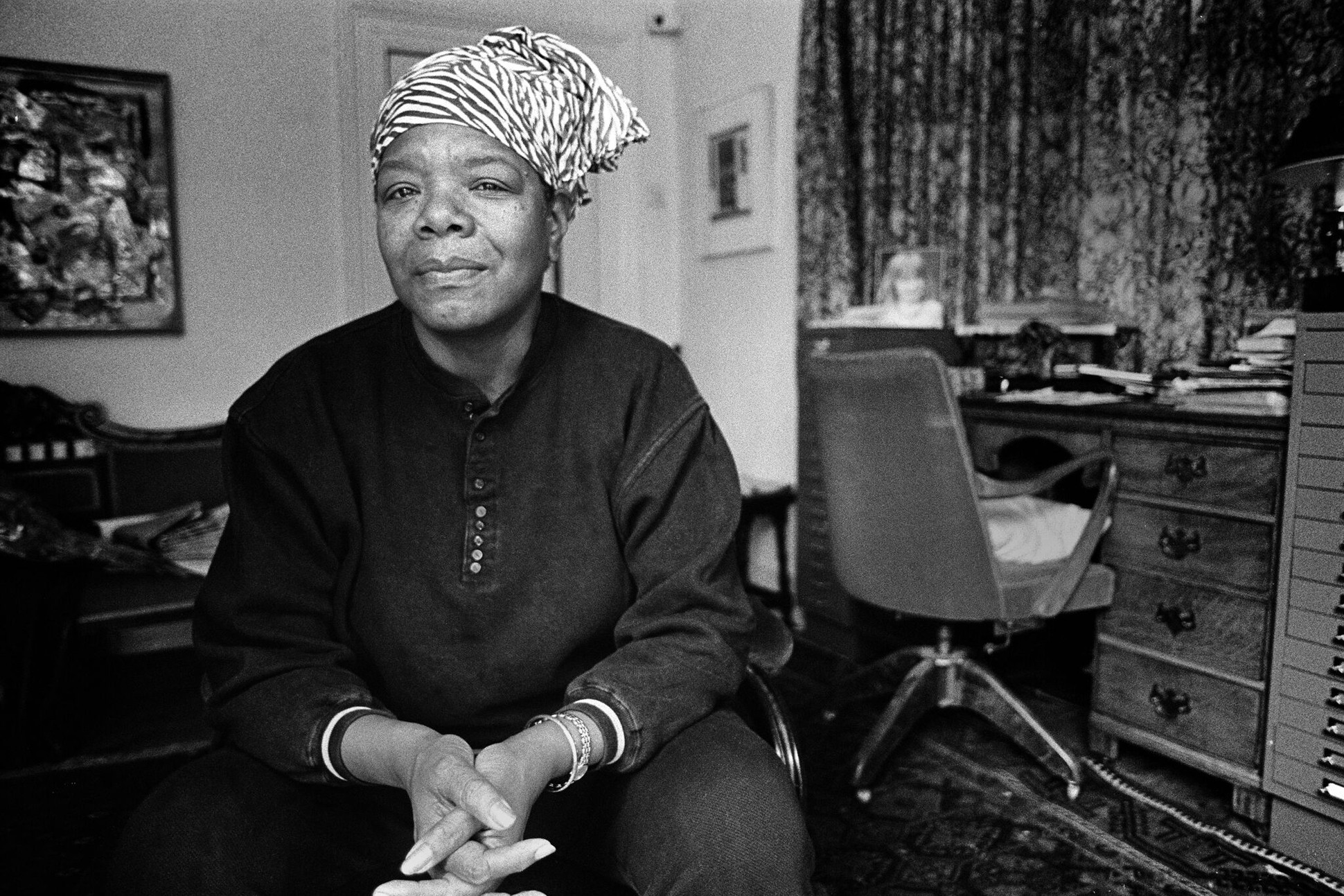 Black and white photograph of Maya Angelou.
