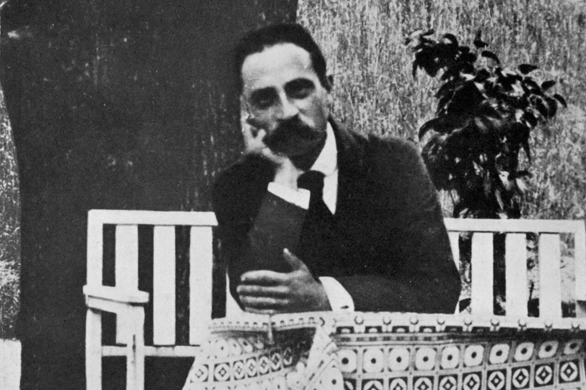 Black and white photograph of Rainer Maria Rilke