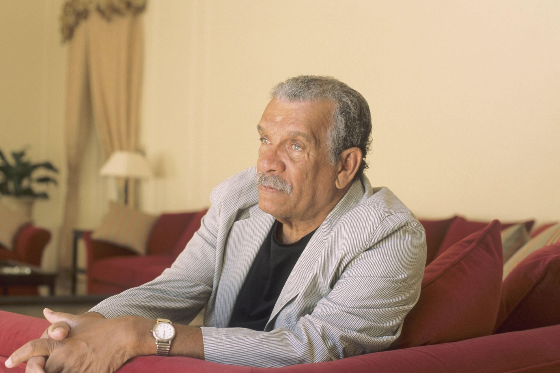 critical essays on derek walcott Download derek walcott: the book draws extensively on walcott's essays, plays the book serves as a critical study for more experienced scholars and as a.