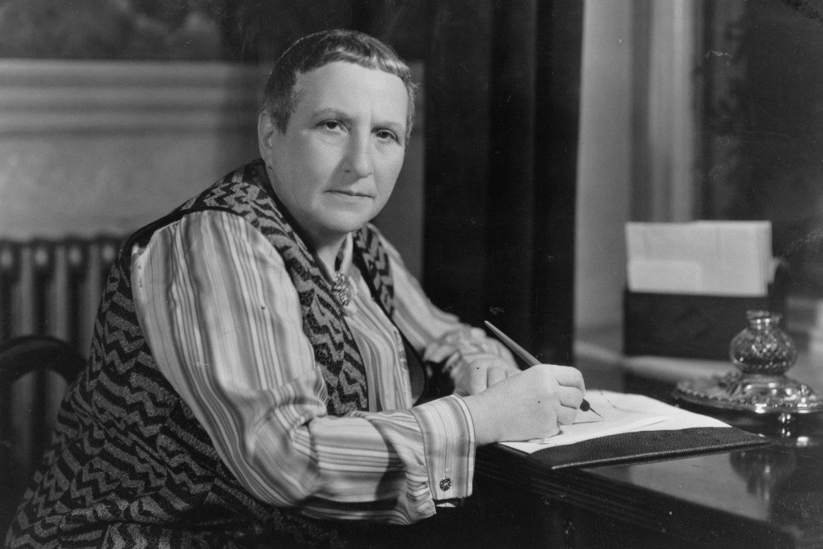 A Carafe That Is A Blind Glass a carafe, that is a blind glassgertrude stein  poetry